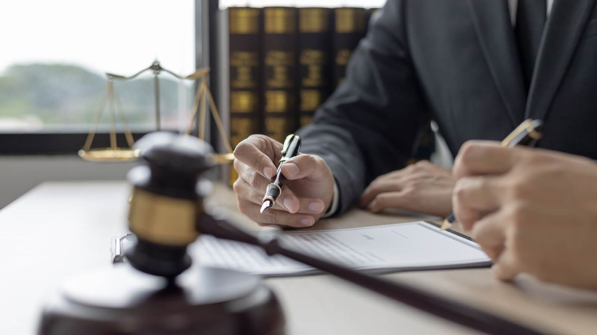 4 Situations When You Might Need a Will and Estate Lawyer